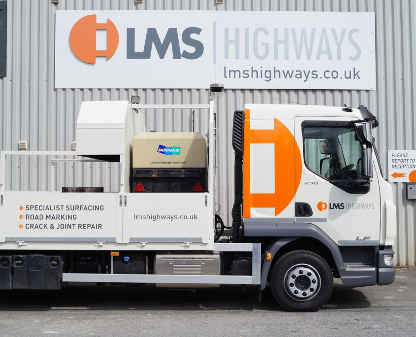 Lining Truck- W90LMS